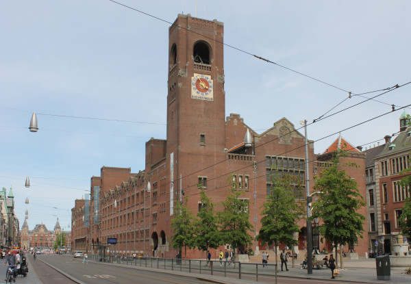 Damrak, architect Berlage, 1903.