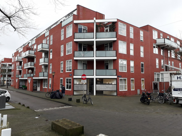 Hoek Jacob van Lennepkade (links) - Ten Katestraat.