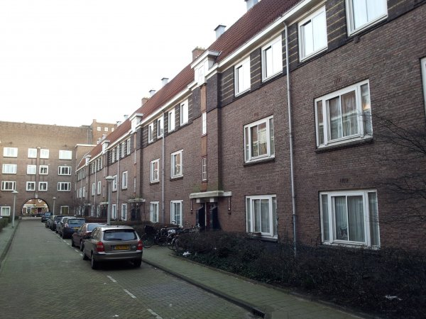 Theseusstraat even zijde.