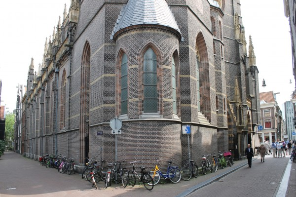 Dominicuskerk, Spuistraat.